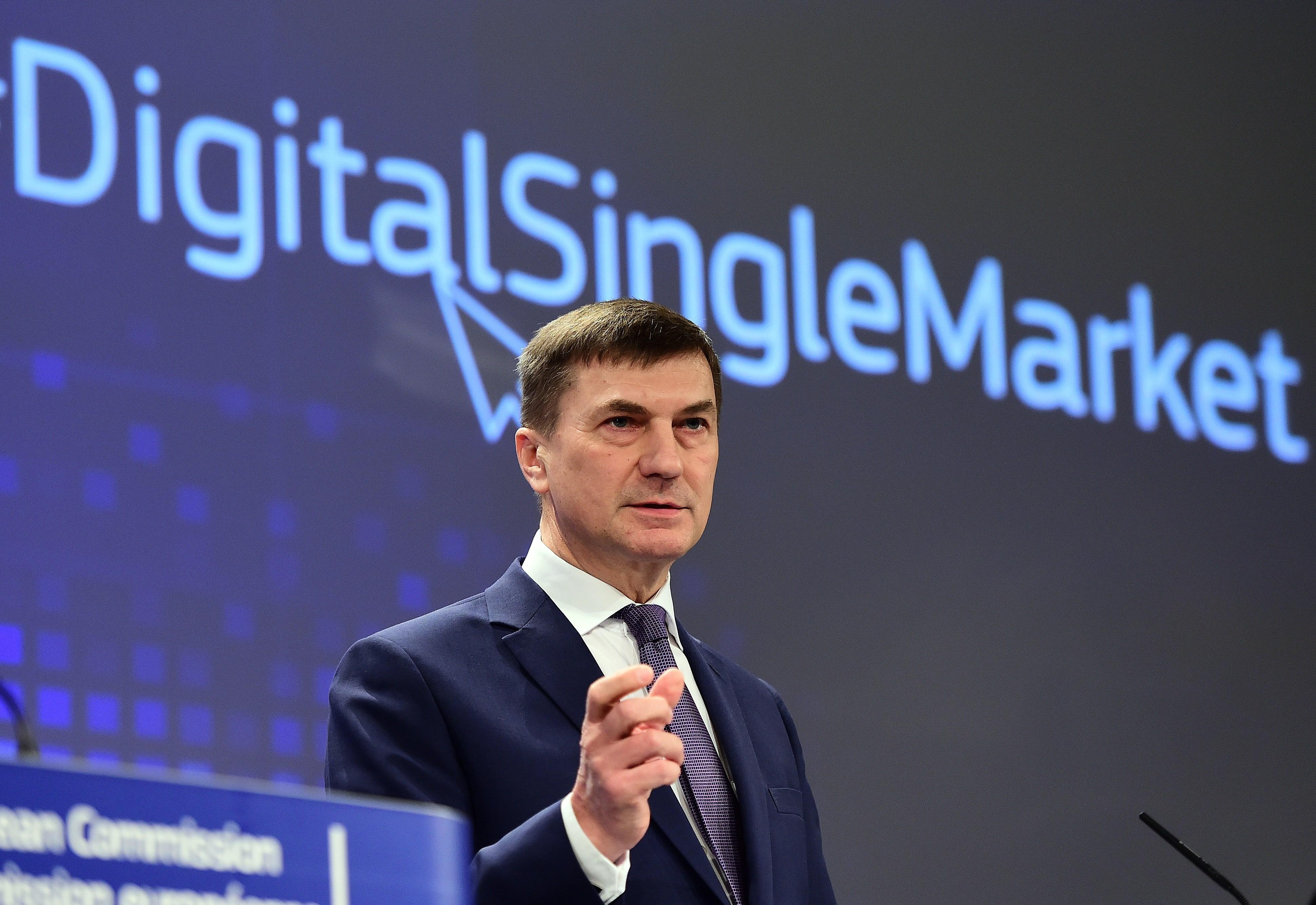 負責數碼事務的歐盟委員會副主席安德魯斯·安西普(Andrus Ansip)。(EMMANUEL DUNAND/AFP/Getty Images)