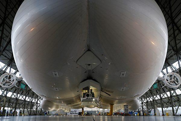 「天空登陸者」擁有長達150呎的客艙,內有特等客艙套間,「高海拔」酒吧和玻璃地板。 (ADRIAN DENNIS/AFP/Getty Images)