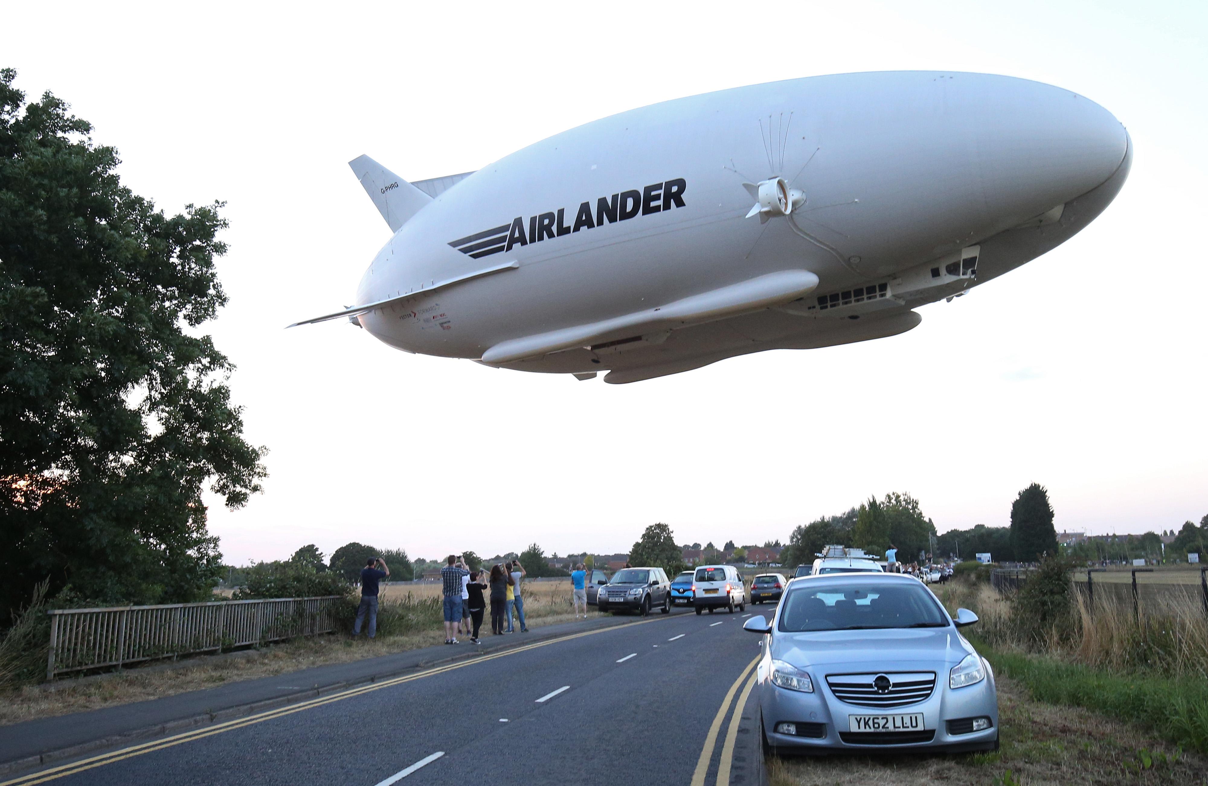 世界最大飛機投入商用生產 擬2020年升空