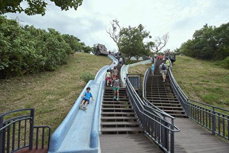 青青草原滑梯