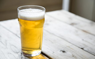 台公务员酒驾 时力提修法:当年度考绩打丙等