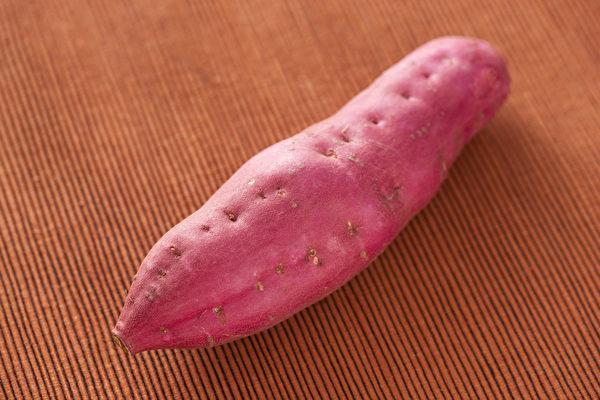 地瓜又名甘薯、红薯,有补中和血、益气生津、宽肠胃、通便秘的功效。