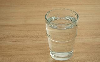 疼痛或是缺水警讯 他痛10小时 喝3杯水全好转