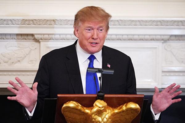 美國總統川普週一(3月11日)發推文表示,「夏令時間即使永久實施,我也OK!」(Mandel Ngan/AFP/Getty Images)
