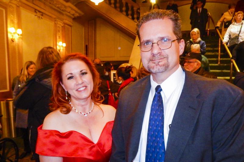 2月10日下午,尖端科技創新公司Battelle大西洋城分公司的首席工程心理學家Scott Taylor偕同太太及軟件工程師Robin Taylor,觀看了神韻2019年度在費城的第4場演出。(衛泳/大紀元)