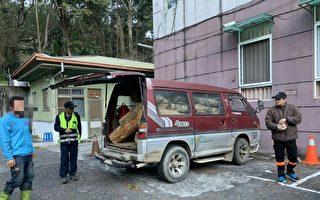 见车满载木头疾驶而过 警拦查意外破盗伐案