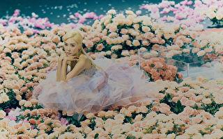 「少女時代」的Tiffany Young(蒂芬妮)發行個人首張英文EP專輯《Lips On Lips》宣傳照。(環球唱片提供)