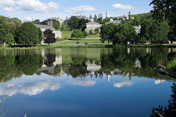 十所最慷慨的學校之一:科爾蓋特大學(Colgate University)。(維基百科公有領域)