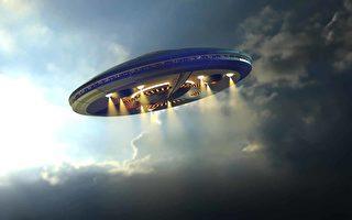 澳洲警方公布诡异UFO画面 还有闪电交加