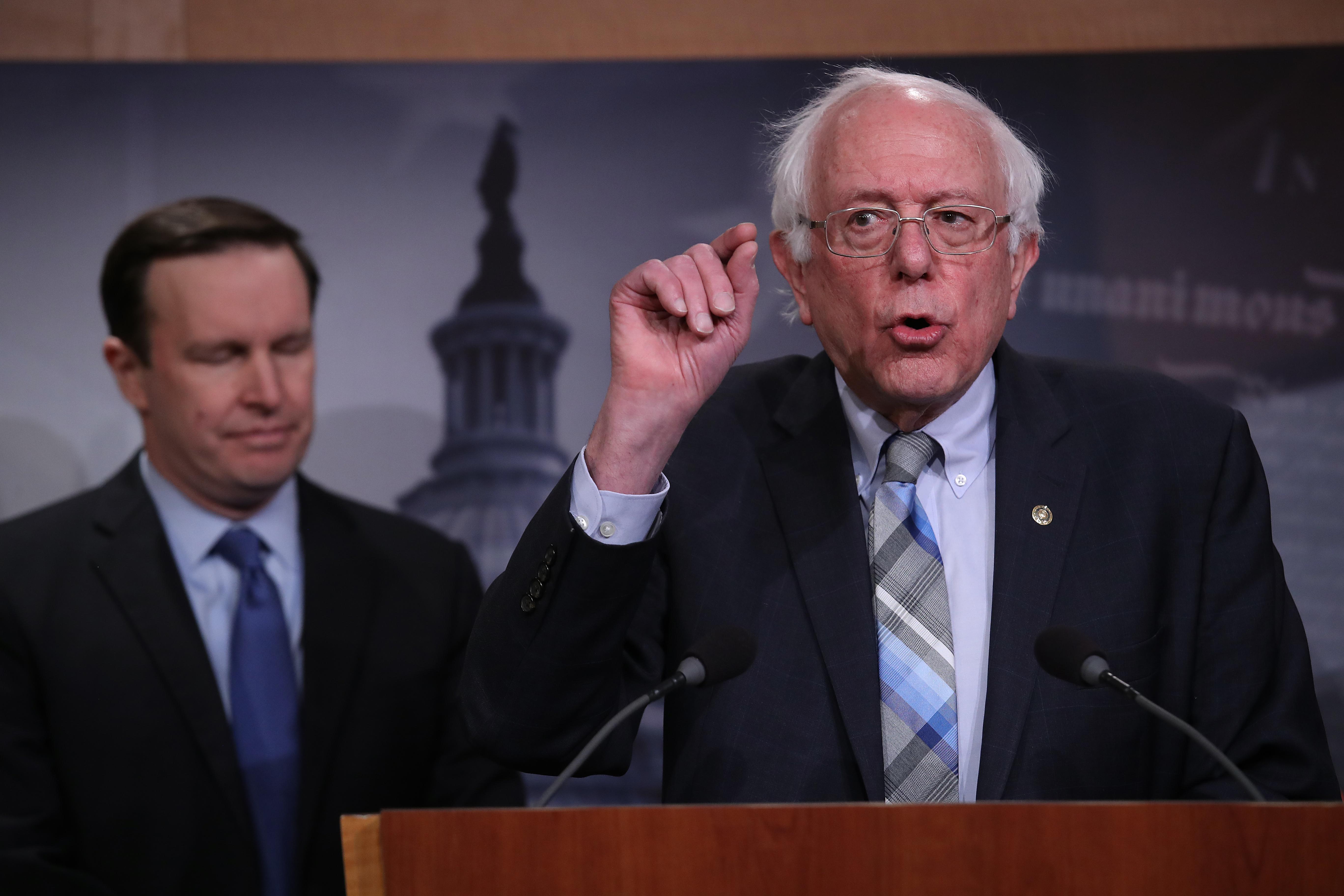 佛蒙特州聯邦參議員伯尼‧桑德斯(Bernie Sanders)周二(2月19日)宣佈,他將在2020年再次競選總統。桑德斯曾在2016年的總統初選中敗給希拉莉,無緣入主白宮。此次將是桑德斯第二次爭取獲得2020大選的民主黨提名。圖為桑德斯。(Photo by Win McNamee/Getty Images)
