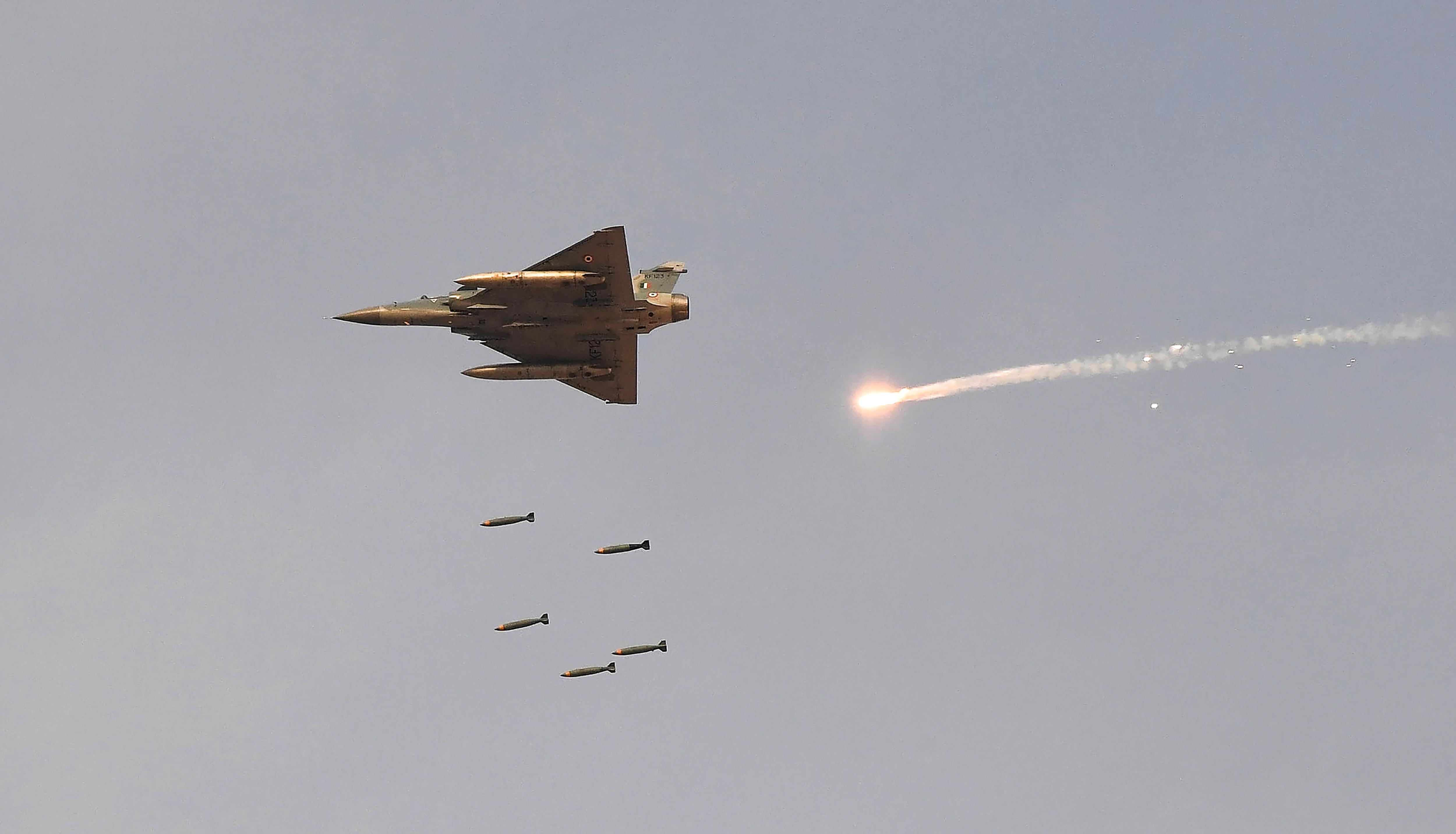 印度派12架戰機 空襲巴基斯坦恐怖組織營地