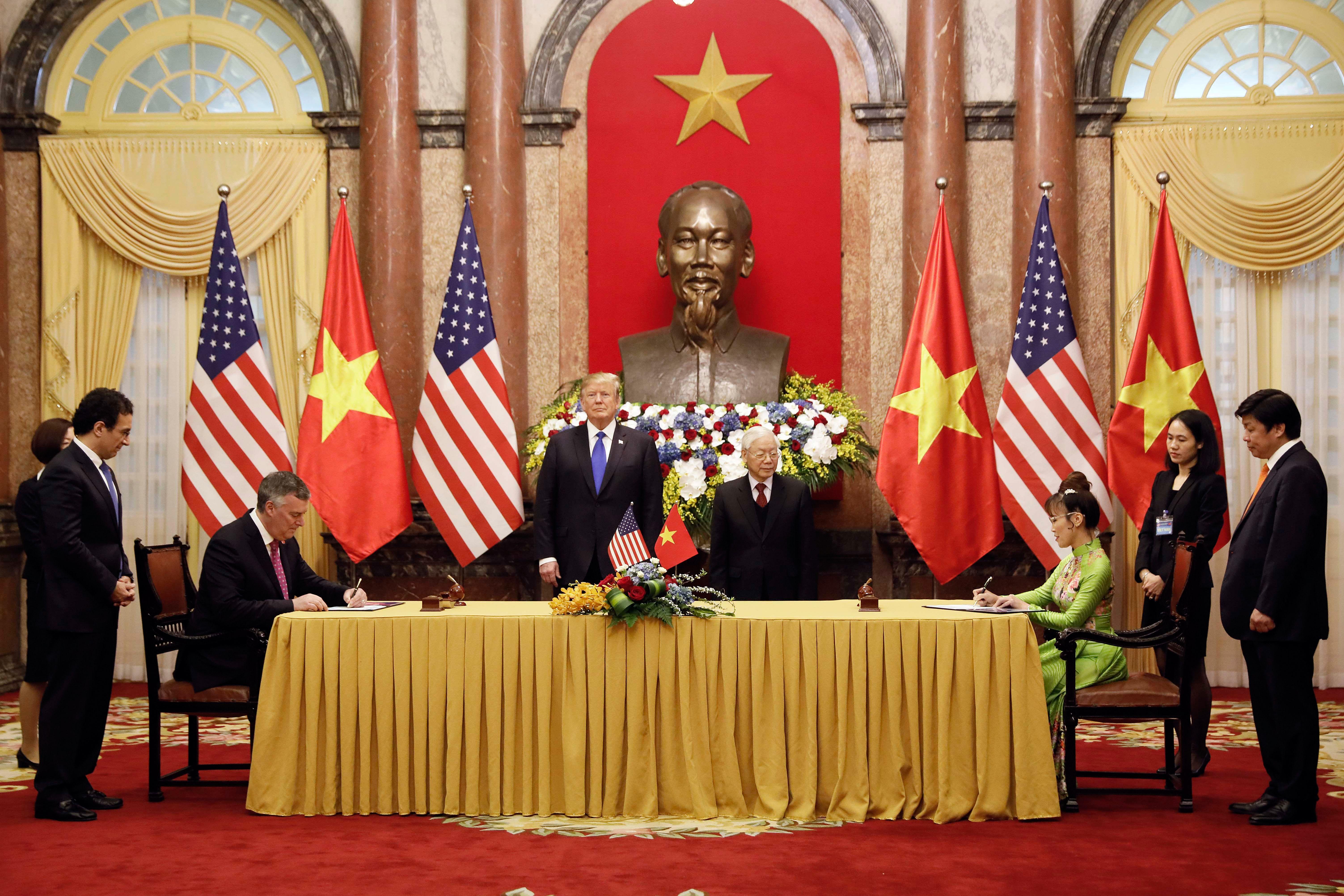 2019年2月27日,特金二會期間,越南航空公司與美國公司簽訂了超過210億美元的航空訂單和服務合同。(LUONG THAI LINH/AFP/Getty Images)