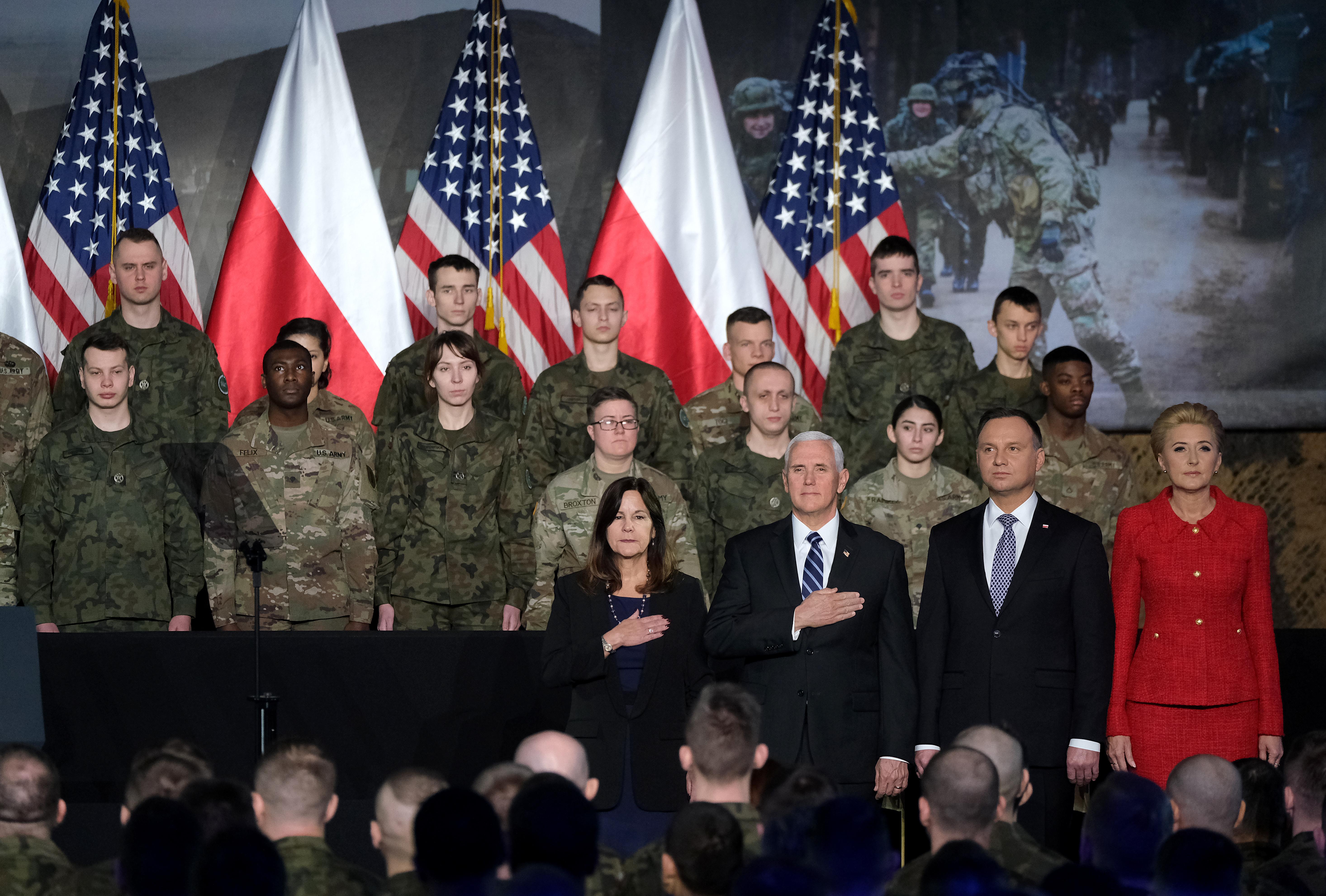 彭斯訪波蘭 參觀奧斯威辛 促中東和平