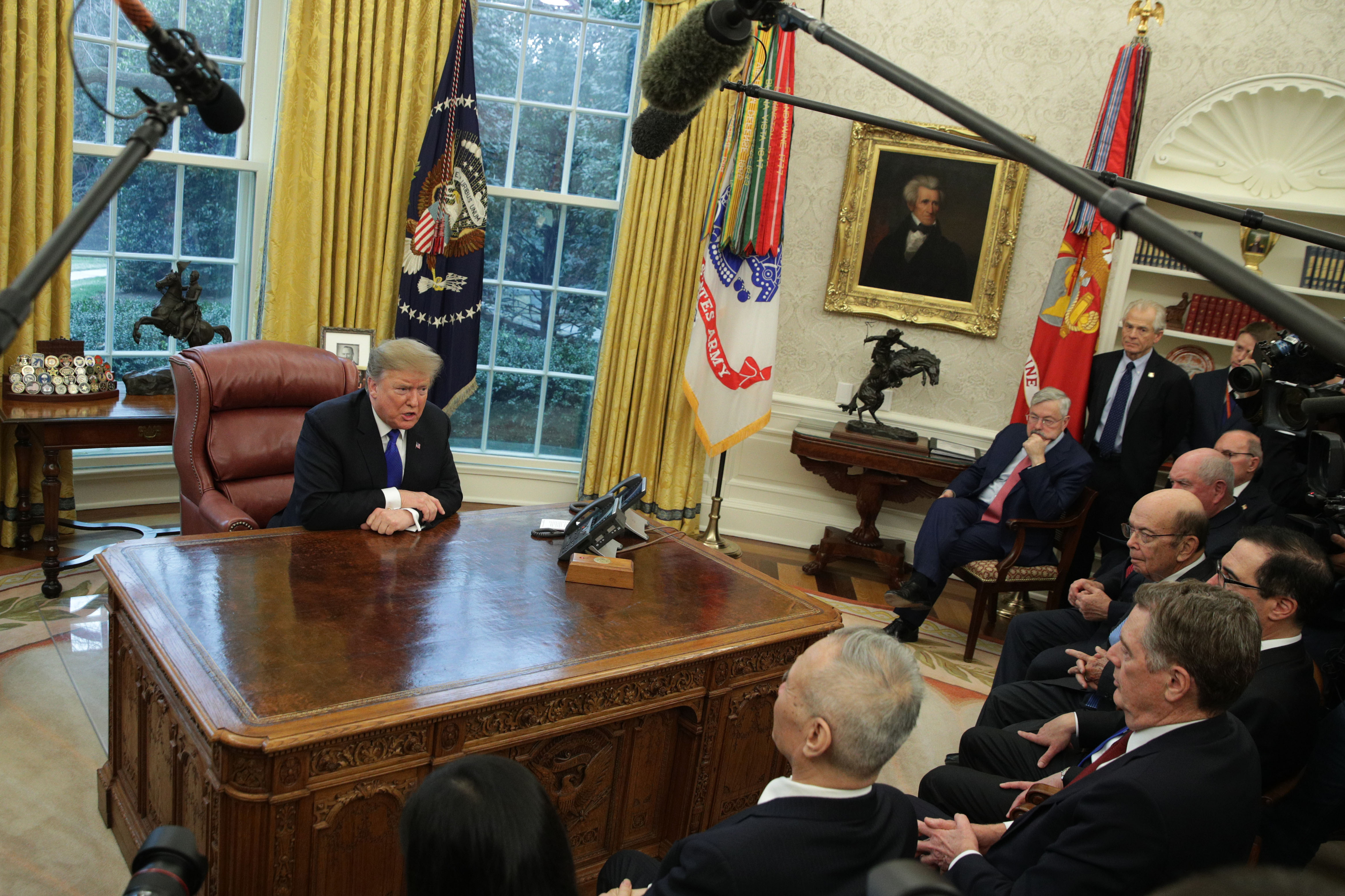周日(2月24日),距離3月1日停火時限不到六天的時間,中美談判官員在華府繼續談判。在最後衝刺階段,特朗普總統上周五(22日)要求雙方主談人做一件事,為未來協議取得更適當的稱號。(Alex Wong/Getty Images)