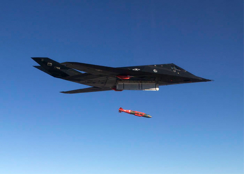 影片:美軍在秘密基地「中國湖」測試導彈