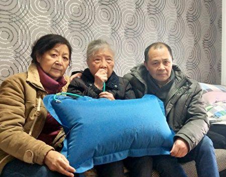 黃琦母親蒲文清被軟禁引發心律衰竭,需靠吸氧治療。(受訪者提供)