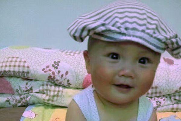 河北邯郸市、河南濮阳各有一名儿童因注射疫苗致病,永远离开了爱他们的爸爸妈妈。图为邯郸市韩旭小朋友生前照片。(家长提供)