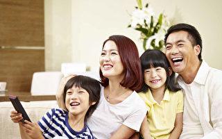有父母陪伴的童年:一生富足