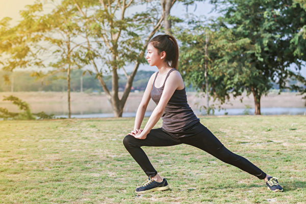 消除內臟脂肪,應該做有氧運動和肌力訓練?怎麼做最有效?