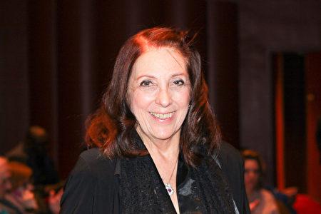 1月15日晚,知名舞蹈家Madalyn Klein觀看了神韻紐約藝術團在林肯中心大衛寇克劇院的演出。(賈誼/大紀元)