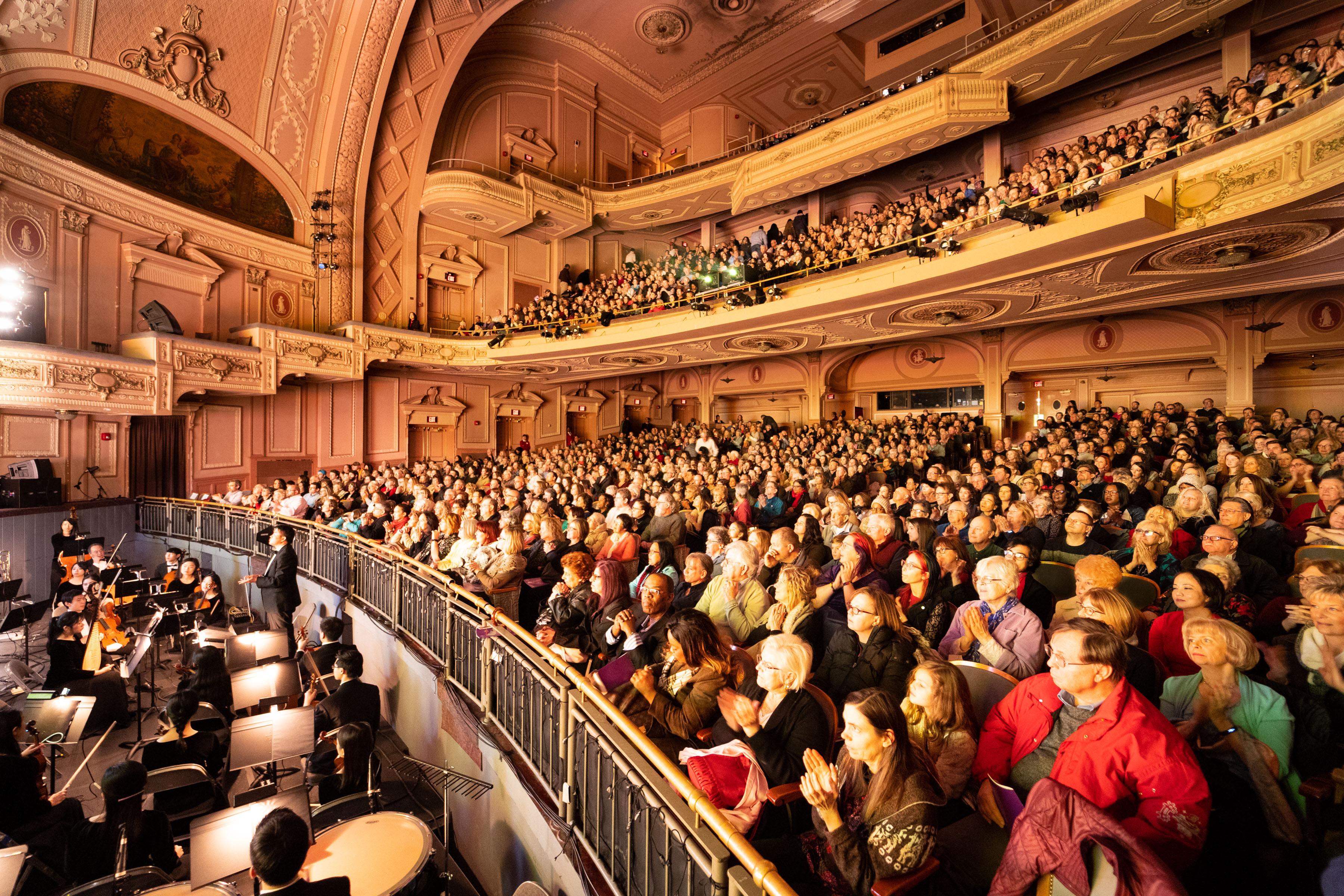 神韻25場風靡費城 爆滿成常態 各界精英震撼