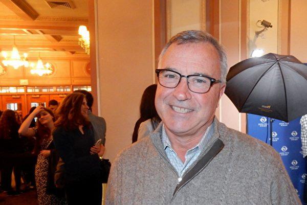 2月23日下午,觀看了神韻巡迴藝術團在費城瑪麗安劇院的第十六場演出後,金融公司首席執行官Jeff March表示,神韻讓他溶於中國傳統文化之中。(衛泳/大紀元)