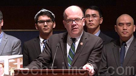 國會議員麥高文(Jim McGovern)表示,人權始終是中美關係的重要焦點。(新唐人電視台)