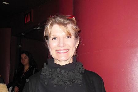 3月14日,世界營銷大師、著名作家Martha Rogers觀看了神韻紐約藝術團在林肯中心大衛寇克劇院的第11場演出。 (李辰/大紀元)