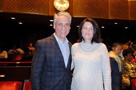 2019年3月16日晚,全球著名奢華家電企業總裁Peter Furfaro偕太太Mary Anne Furfaro觀看神韻紐約藝術團在林肯中心大衛寇克劇院的第14場演出。(滕冬育/大紀元)