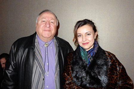 2019年3月16日晚,俄羅斯電子工程師Javakhilal Almazov和太太Teleza Almazov觀看神韻紐約藝術團在林肯中心大衛寇克劇院的演出,深受震撼,對正統中華文化與精神肅然起敬。(衛泳/大紀元)