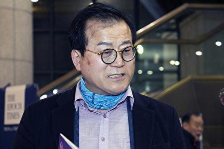 Art Korea放送的共同代表李星容在南韓清州藝術殿堂觀看了神韻演出。(全景林/大紀元)