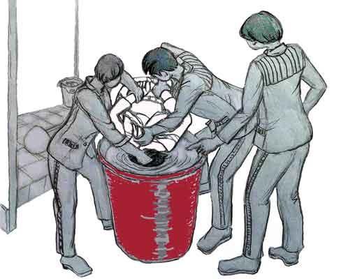 中共酷刑示意圖:溺水──把人頭按進涼水桶裏憋。(明慧網)
