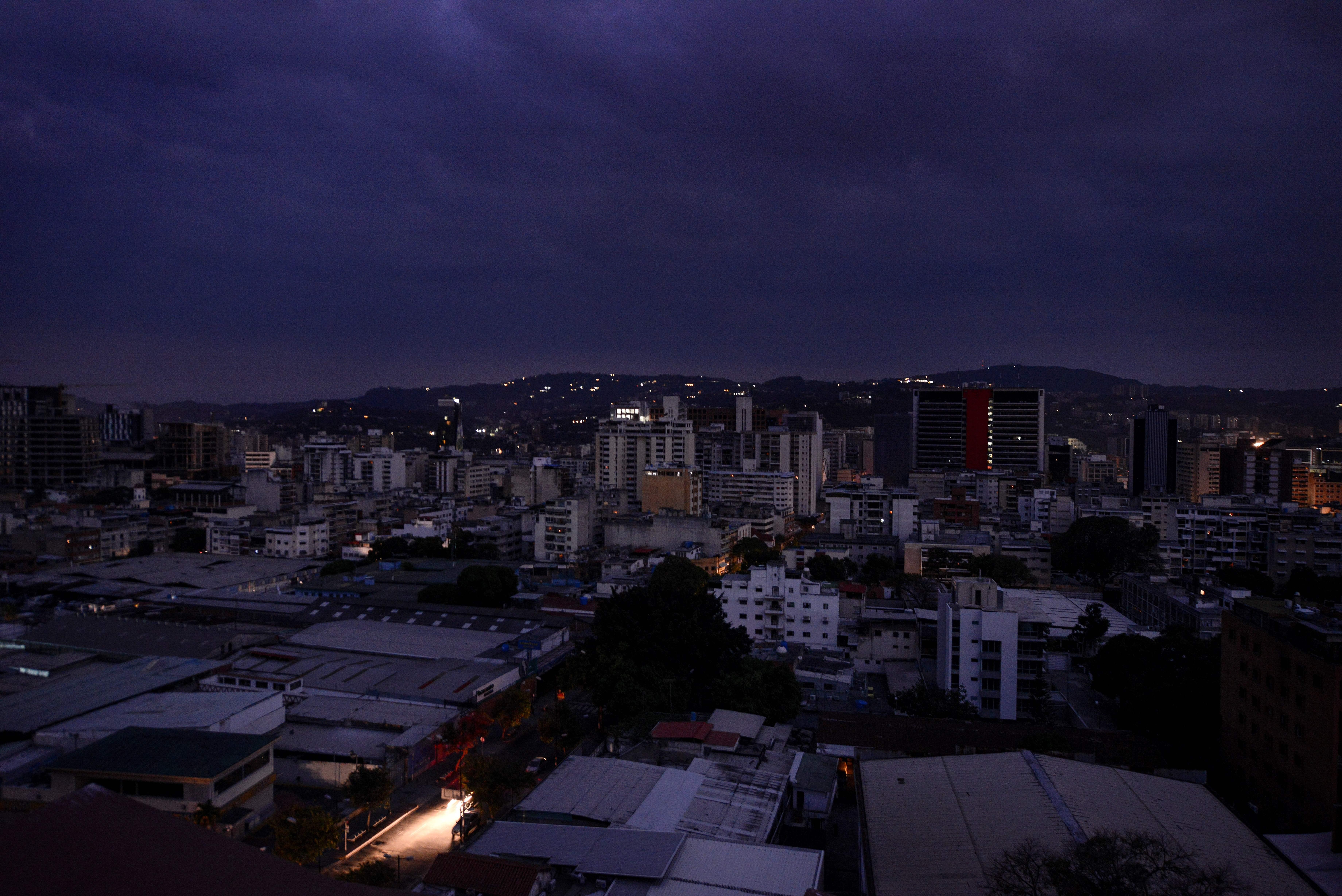 委內瑞拉無預警大停電 全國七成陷入黑暗