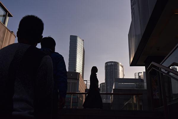 """中共地方财政、经济问题愈显突出。河北省会石家庄直接零门槛落户,""""是人都抢""""。图为示意图。(GREG BAKER / AFP)"""