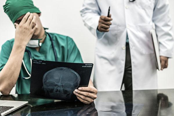 误诊是导致医疗事故的主要原因。令人震惊的是,最近一份报告指出, 多达1200万美国人在一生中可能成为误诊的受害者。(图/shutterstock)
