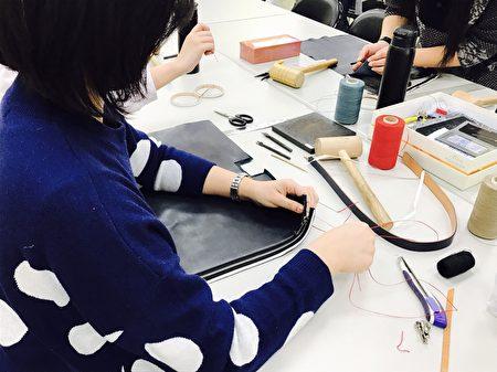 創客基地手作課程畫面-義大利手肩包皮件