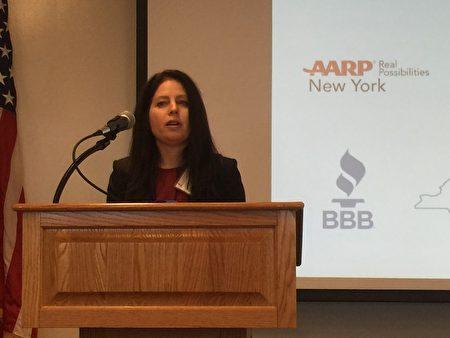美国证券位于安会地区助理主任Judith Weinstock提醒纽约人网络投资诈骗。