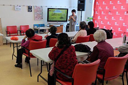 刘伟医生讲解预防骨质疏松和早期筛查诊断。