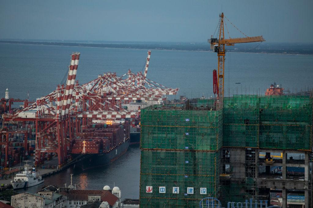 圖為位於斯里蘭卡的科倫坡深海港,該項目由中方管理和運行。(Paula Bronstein/Getty Images)