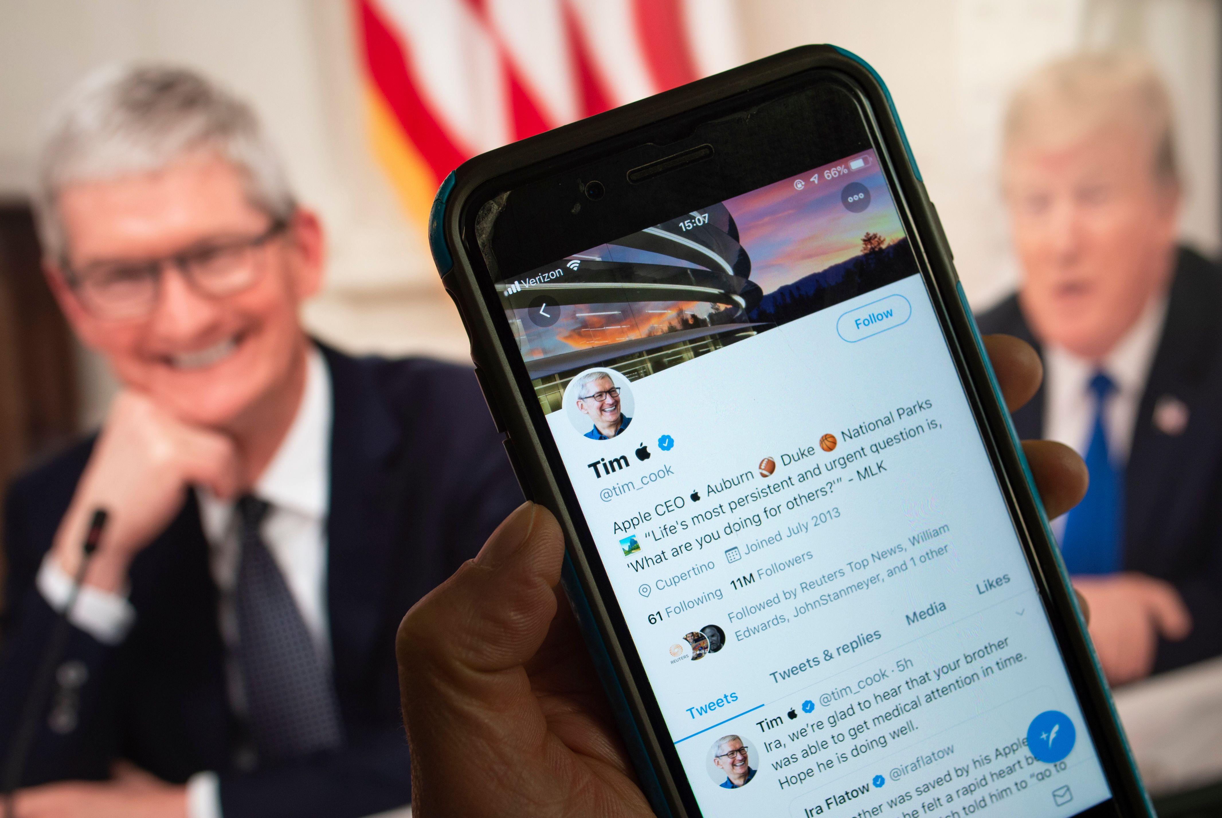 特朗普神來之「語」蘋果CEO立馬改推特帳號