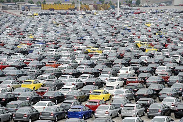 長安福特5大工廠總共產能在160萬輛/年,但因過低的銷量導致產能過剩,庫存壓力巨大。 (LIU JIN/AFP/Getty Images)