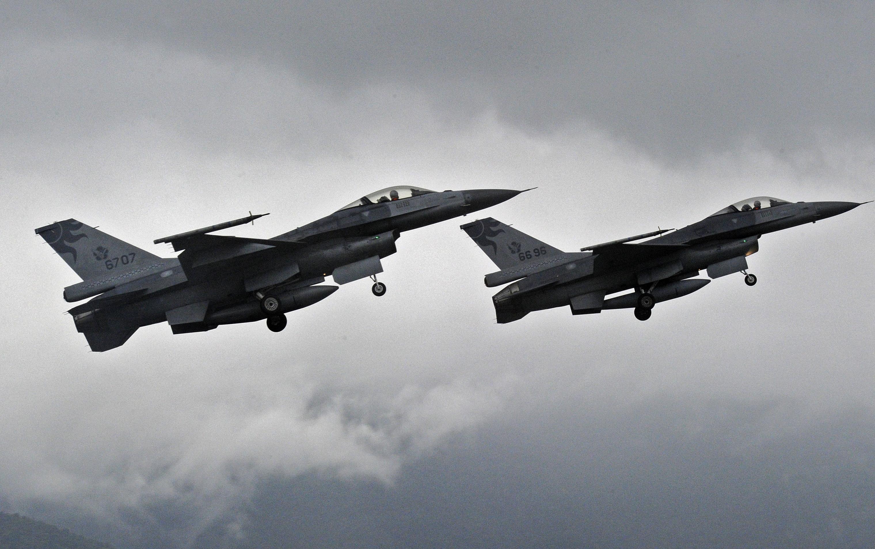 特朗普政府挺台灣 傳默許售台60架F-16戰鬥機