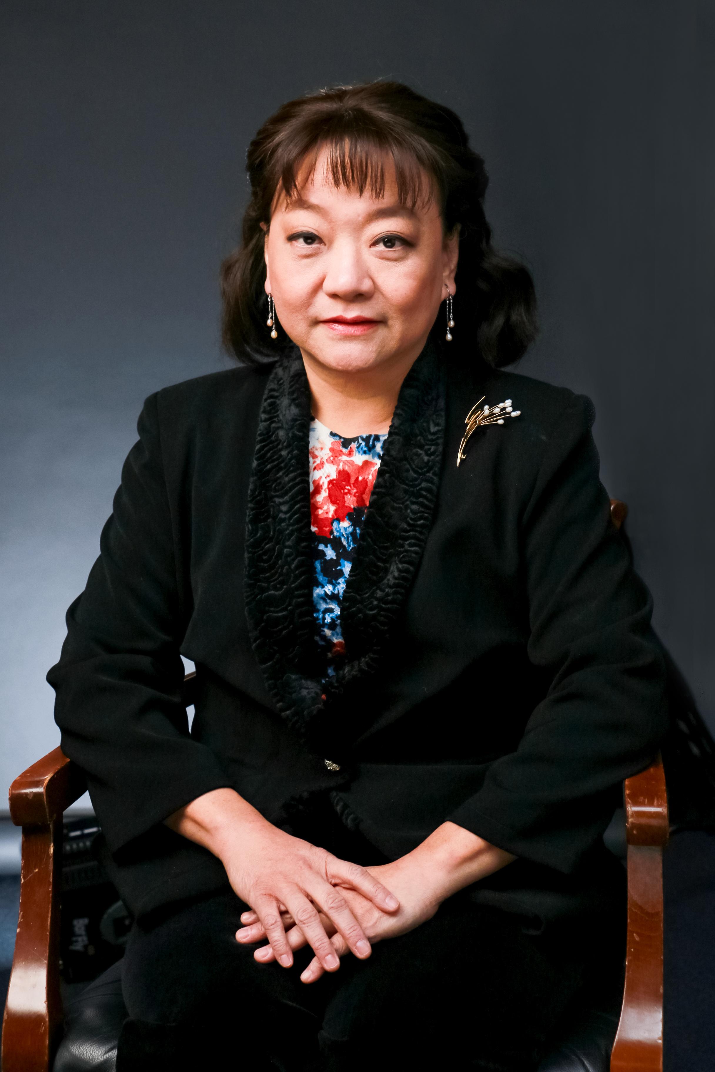 飛天大學教授、新唐人鋼琴大賽評委劉紹珊教授接受大紀元專訪。(大紀元)