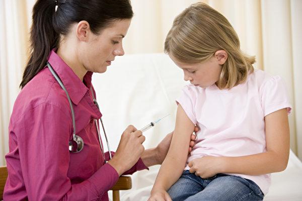 卑诗省卫生厅本周宣布,各地卫生局将在4月~6月间派护士进入省内各校,为学前班至12年级的学生提供麻疹疫苗自愿接种服务。(iStock)