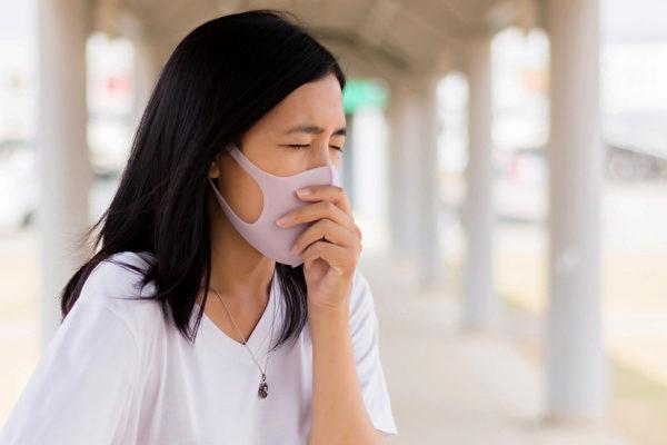 氣喘如果處理不好,會出現嚴重問題,中醫如何緩解氣喘?(Shutterstock)
