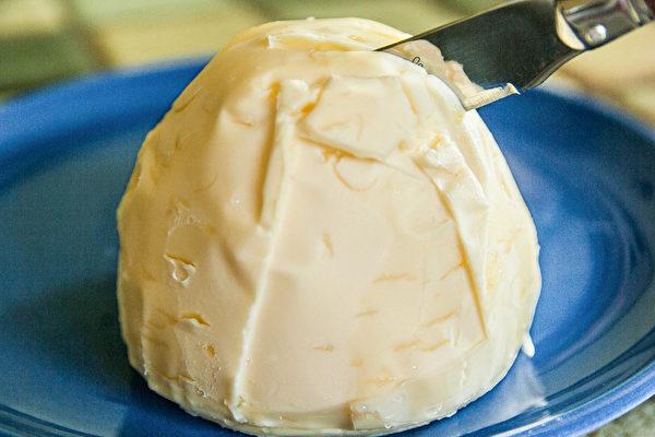 黃油等奶油類製品,其主要成分就是飽和脂肪。