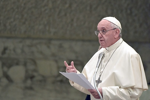 教宗講稿刪香港議題 意媒:被中共掐住喉嚨