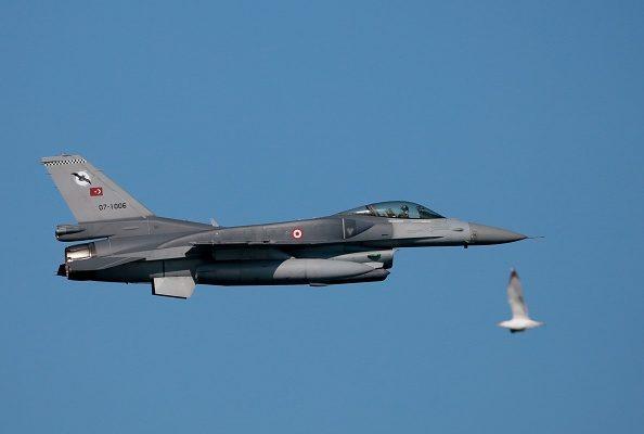 圖為Blue Homeland 2019海軍演習上的F-16戰鬥機。(Evren Atalay/Getty Images)