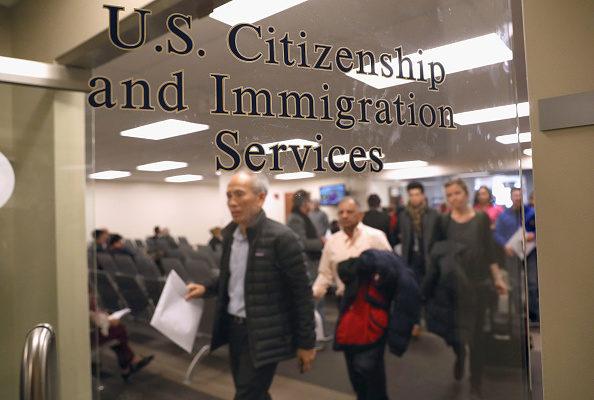 美移民手續費平均將漲20% 入籍費增80%