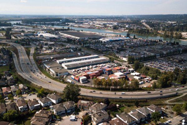 大温地区的工业租赁率目前是加拿大最高的,空置率在前所未有的需求中一路下降,正在形成温哥华地区最强大的房地产行业。(Shutterstock)